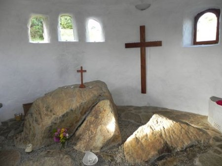 Chapel credit Ffald-y-Brenin