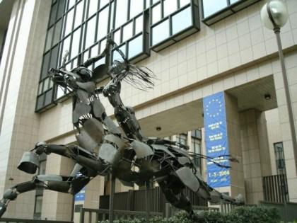 Europa-Statue-EU-HQ-Brussels